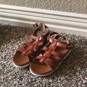 Super cute gladiator sandals!